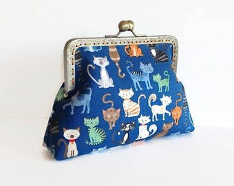 Cat Print Kiss Lock Cosmetic Purse, Metal Frame Make Up Bag, Travel Accessories, Cat Lover Gift