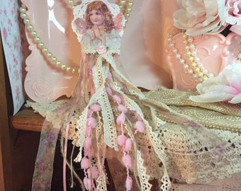 Christmas Ribbons Lace Angel Paper Doll Doily Hanging Ornament Window Display Decoration Shabby Chic Decor Xmas Tree Pinks Ivory Cream Gift