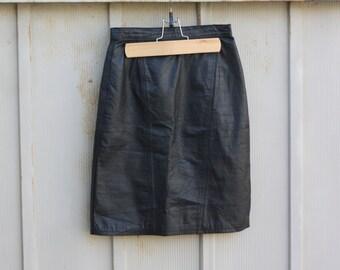Biker Chick Skirt - Black Leather Skirt - 90s High Waist Mini Skirt - 80s Leather Mini Skirt - Black Punk Skirt - Vintage Motorcycle Skirt