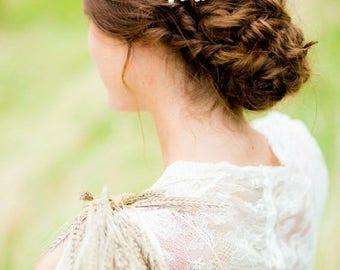 Floral wedding hair comb, delicate bridal comb || ISKRA