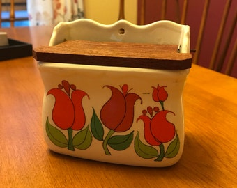 Cute Ceramic Tulip Box with Wooden Lid