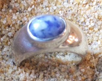 Sterling Silver and Lapis Lazuli Ring...... size 4.5 only