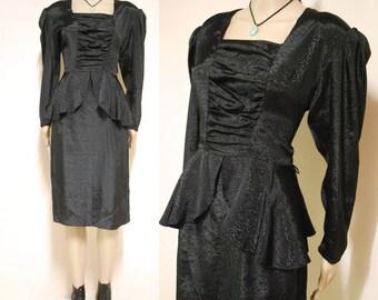 80s Vinatge Black Dress Ruched Avant Garde Mid Length Light Weight Long Sleeve Vtg 1980s XS-S