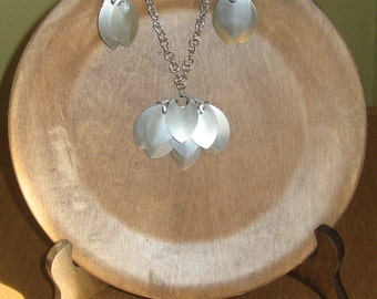 Fish-scale  Chain Maille Necklace & Earrings Set