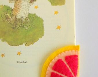 Pomelo slice Bookmark, Felt Bookmark, Corner Bookmark, Embroidered Bookmark, Fresh Fruits Bookmark, Back to school gift