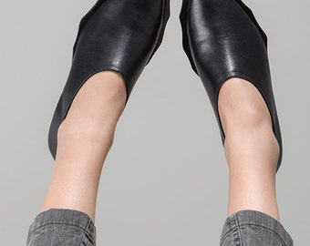 Derby shoes ~Handmade Shoes~ Black Leather Boots~ Black Leather Shoes~ Womens Shoes~ Black Leather flats~ Designer Shoes~ Leather Oxfords