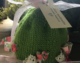 Knitted hat: 6-12 months