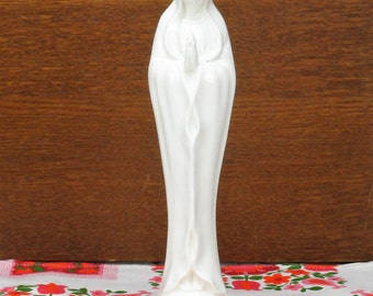 Beautiful White Porcelain Statue Virgin Mary Madonna Folded Hands 10.43""