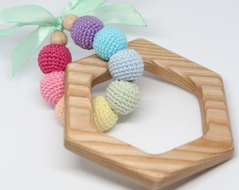 Baby wooden teething toy / Natural baby teether / Wooden teether with crochet beads