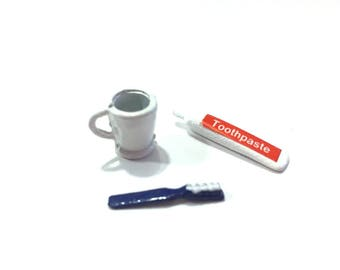 Miniature Toothpaste Toothbrush and Cup Dollhouse Miniatures Bathroom Supplies 1:12 Scale Diorama Shadow Box Accessories - 328 B