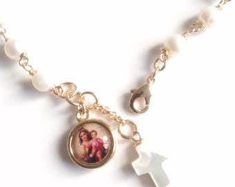 Gold Our Lady of Mount Carmel Medal Virgen del Carmen Bracelet Pearl Mother Virgin Mary Bracelet Gold Pearls Bracelet, Virgin Mary pendant