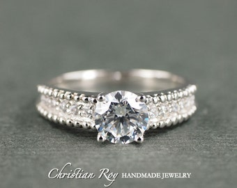 Round Cut Diamond Simulant Engagement Ring - Sterling Silver (#CRRMR100SS)