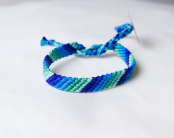 Friendship bracelet - Green to blue collection 30a
