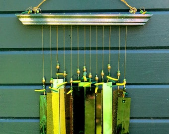 Windchime, Stained Glass, Prairie style, Forest Green, Yellow, Housewarming - Porch Décor - GN1005