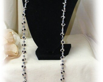 BLACK & WHITE NECKLACE (long) Really Cute