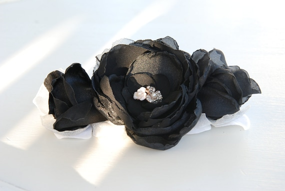 Black triple flower cluster hair clip;black bridal hair clip;bridesmaid hair flower