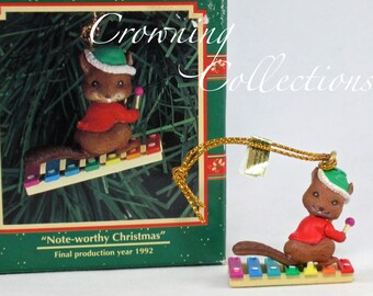Enesco A Note-Worthy Christmas Squirrel Xylophone Treasury of Christmas Ornament Small Wonders Miniature Music Instrument Karen Hahn