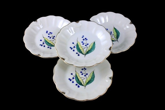 Small Porcelain Ashtrays, Set of 4, Ladies Ashtrays, Hand Painted, Leaf and Blueberry Pattern, Gold Trimmed, Made in Japan, Collectible