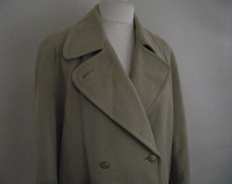 Vintage womens coat 70s 80s Lambert of London Made in England wool mix cream double breasted coat size xlarge