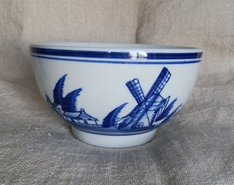Vintage Blue and White Delft Design Small Serving Bowl / Soup Bowl / Cereal Bowl