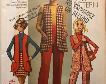 Simplicity 8917 - 1970s How to Sew Vest, Skirt and Pull On Pants - Size 14 Bust 36