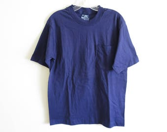 Vintage 90's Honors plain blank navy blue pocket t-shirt | Made in USA | DEADSTOCK | Medium (tag size) Medium (fit)