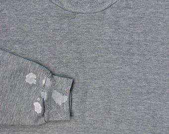 Vintage 1980s RUSSELL Tri Blend Heather Gray Distressed Sweatshirt ~ fits L ~ Rayon ~ Crewneck ~ Raglan