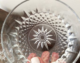 Set of 4 Vintage Arcoroc France Diamant Sunburst or Starburst and Diamond-Point-Patterned Tempered Glass Salad Bowls