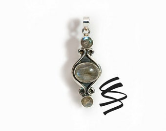 Labradorite Vintage Antique Style Silver Pendant Labradorite Sterling Silver Jewelry Blue Gemstone Necklace Healing Stone Jewelry Natural