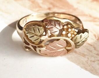 Vintage grapevine Black Hills gold ring | 10k yellow, rose and green gold leaf floral nature tricolor | South Dakota Landstrom's | Size 7