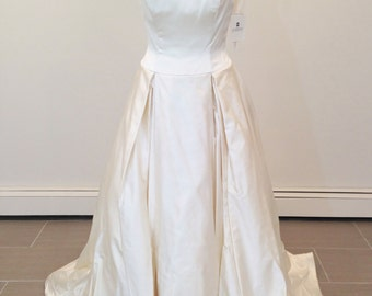 Beautiful Givenchy Wedding Dress size 10
