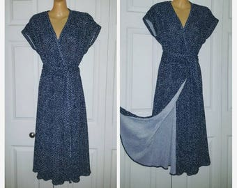 Solsbury Hill ... vintage 70s wrap dress / deep V plunge / crystal accordion pleat / navy polka dot / secretary disco   ... S M