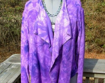 L. Audrey jacket in bamboo fleece fabric, hand dyed, plum purple. Many ways to wear it! Soft and cozy.