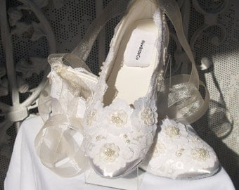 Ready to Ship Size 7 Wedding Ivory Lace Flat Shoes Ballet Style Satin Slipper Victorian style,Old Hollywood Glamor,Gatsby Style,Deco Nouveau