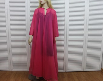 Vintage Hot Pink Peignoir Vanity Fair Size Medium- Large 1950s RARE