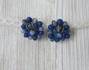 cue the blue | Vintage 50s Cobalt Blue Glass Beaded Cluster Clip On Earrings // made in Japan