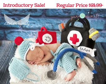 Doctor Set - Doctor Baby Gift - Baby Doctor Gift - Baby Scrubs - Doctor Gift - Photo Prop - Photography Prop - Newborn Scrubs
