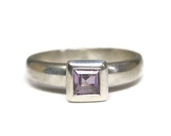 Simple Vintage Sterling Amethyst Ring Size 8