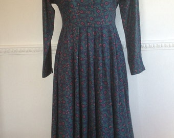 Vintage Laura Ashley Dress Green Floral Lace Collar Tea Party  Boho Chic Hippy Bohemian Feastival School Teacher Governess c1970s 8-10