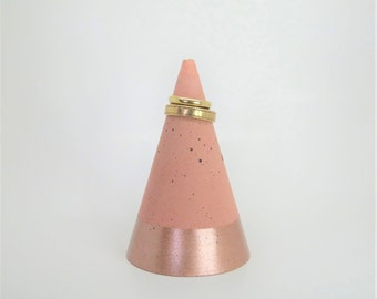 Concrete ring holder - decorative cone No.1 3 - Rosé gold-metallic - concrete original - gift-