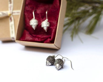 Sterling Silver Acorn Earrings, Woodland Earrings, Nature Jewelry, Tiny Acorn Earrings, Dangle Earrings, Botanical Jewelry, Gift for her