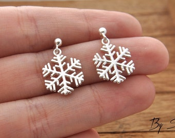 Sterling Silver snowflake earrings, delicate snowflake, snowflake earrings, silver snowflake, snow, winter, gift for her, birthday gift