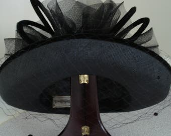 VINTAGE The Halle Bros. Co. BLACK Woven Mesh Hat, with veil and velvet / laces Bow. Never worn. Formal Party Hat.