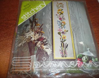 Spinnerin Floral Bell Pull Stitchery Vintage Kit