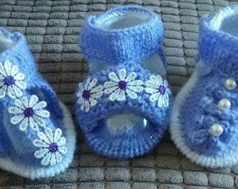 Baby Knitting Patterns a set of 3 different Sandals to fit from size 0-6mths