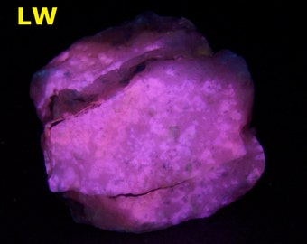 Phosphorescent & fluorescent CALCITE from San Vicente Mine, Boquillas, Coahuila, Mexico