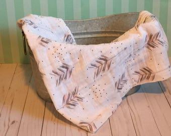 Double Gauze Blanket Pink and Grey Arrows