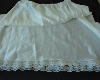 French Vintage white nylon and lace waist underskirt / petticoat (04781)