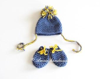 Baby hat and gloves, pom pom hat and gloves, newborn hat and gloves, baby hat and mittens, crochet baby set, newborn set, winter baby set