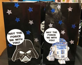 6  R2D2 and 6  Darth Vader party bags